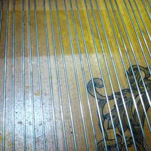 ミュージックワイヤー(弦)のサビ取りクリーニング ピアノドックの場合無料!
