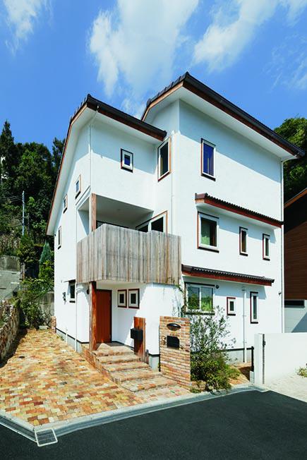 内部の空間構成を優先的に考えたそう。軒と庇は Oh!の家の特徴