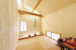 茶道をたしなまれるKさんの和室には、しつらえが映える光の演出が印象的