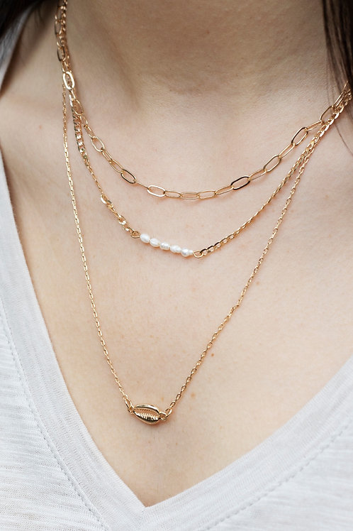 Layered Chain and Shell Necklace with Pearls