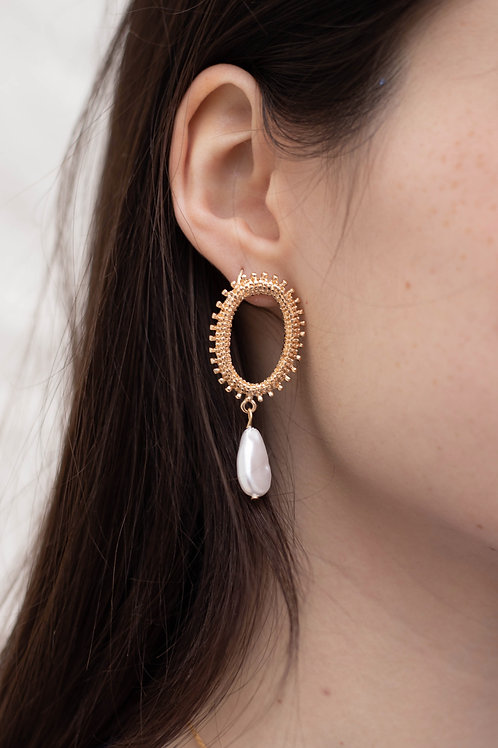 Gold Circle Earrings with Drop Pearl