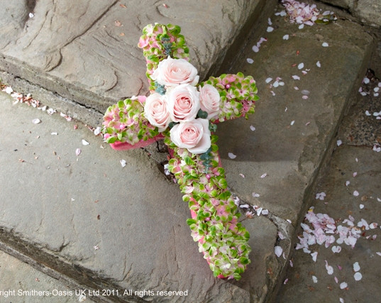 Small cross Tributes