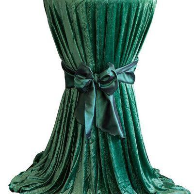 green Velvet Table Linen