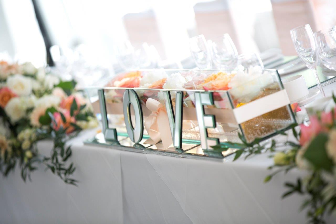 LOVE SIGNS FOR HIRE