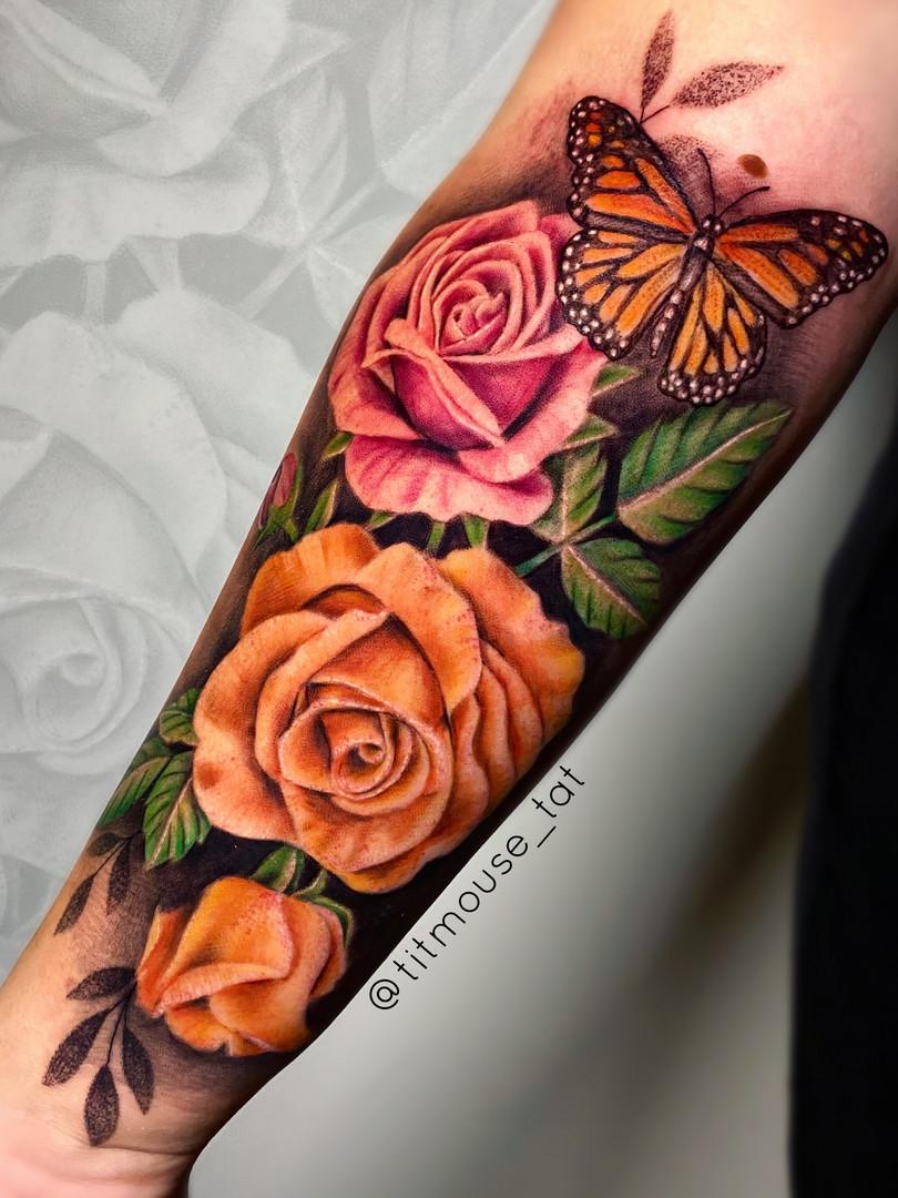 Jennifer / Titmouse - roses / rozen - Ink Panthers Echt Tattooshop Limburg Tattoo