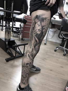 Ivan - legsleeve in the make Ink Panthers Echt Tattooshop Limburg Tattoo