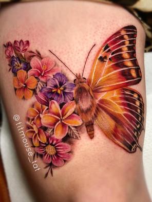 Jennifer / Titmouse - flower butterfly / vlinder - Ink Panthers Echt Tattooshop Limburg Tattoo