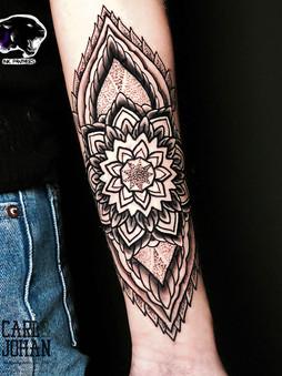 Rocky - mandala ornamental Ink Panthers Echt Tattooshop Limburg Tattoo