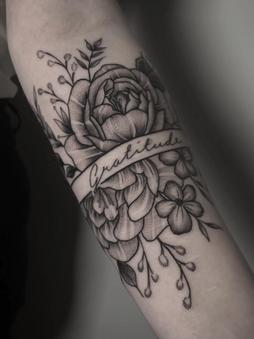 Rocky - Flowers - Ink Panthers Echt Tattooshop Limburg Tattoo