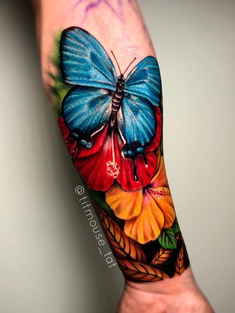 Jennifer / Titmouse - kleur sleeve in progressie - Ink Panthers Echt Tattooshop Limburg Tattoo