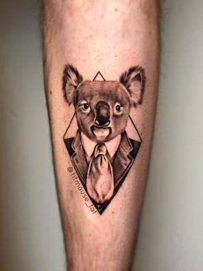Jennifer / Titmouse - koala in pak - Ink Panthers Echt Tattooshop Limburg Tattoo