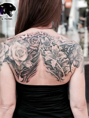 Artur Stec - Flowers (cover up) Ink Panthers Echt Tattooshop Limburg Tattoo