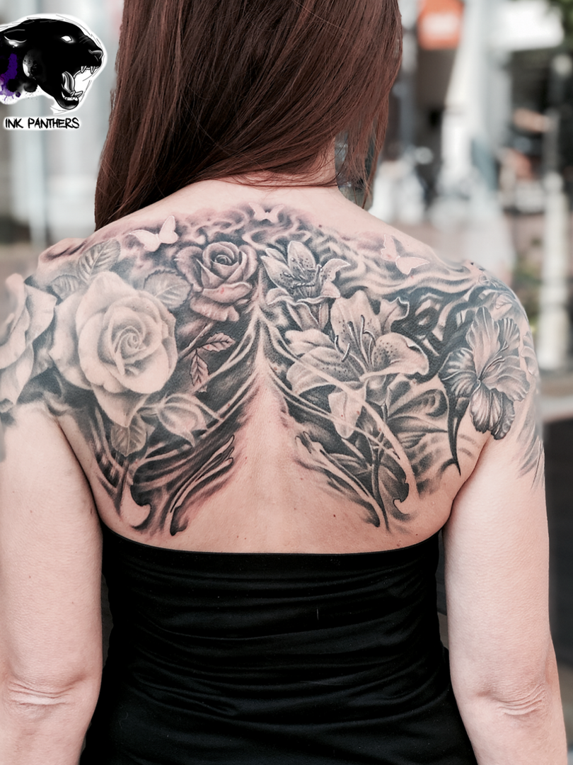 Artur Stec - Flowers (cover up) Ink Panthers Echt Tattooshop Limburg Tattoo