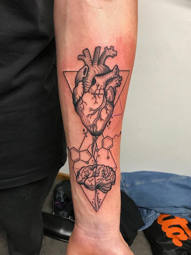 Quincy / Kwills - heart brain Ink Panthers Echt Tattooshop Limburg Tattoo