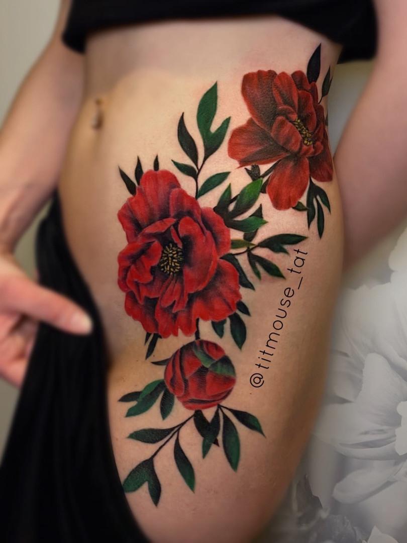 Jennifer / Titmouse - Red peonies - tattoo Ink Panthers Echt Tattooshop Limburg Tattoo