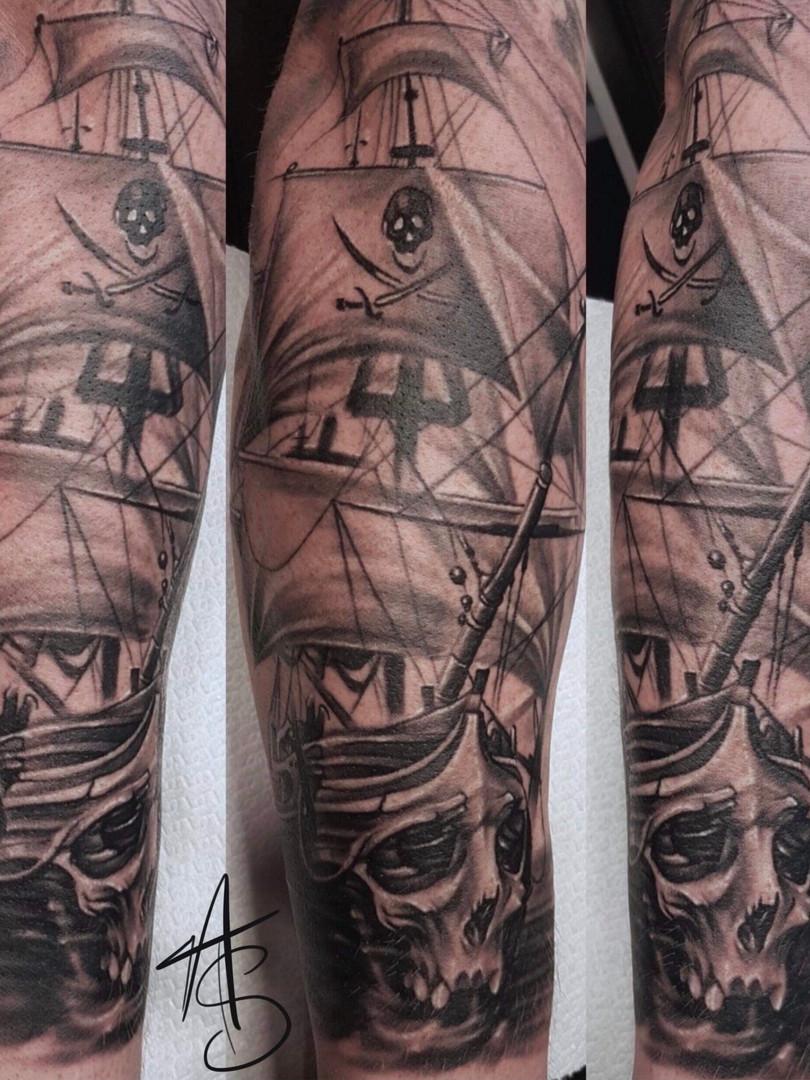 Artur Stec - dark pirate ship Ink Panthers Echt Tattooshop Limburg Tattoo