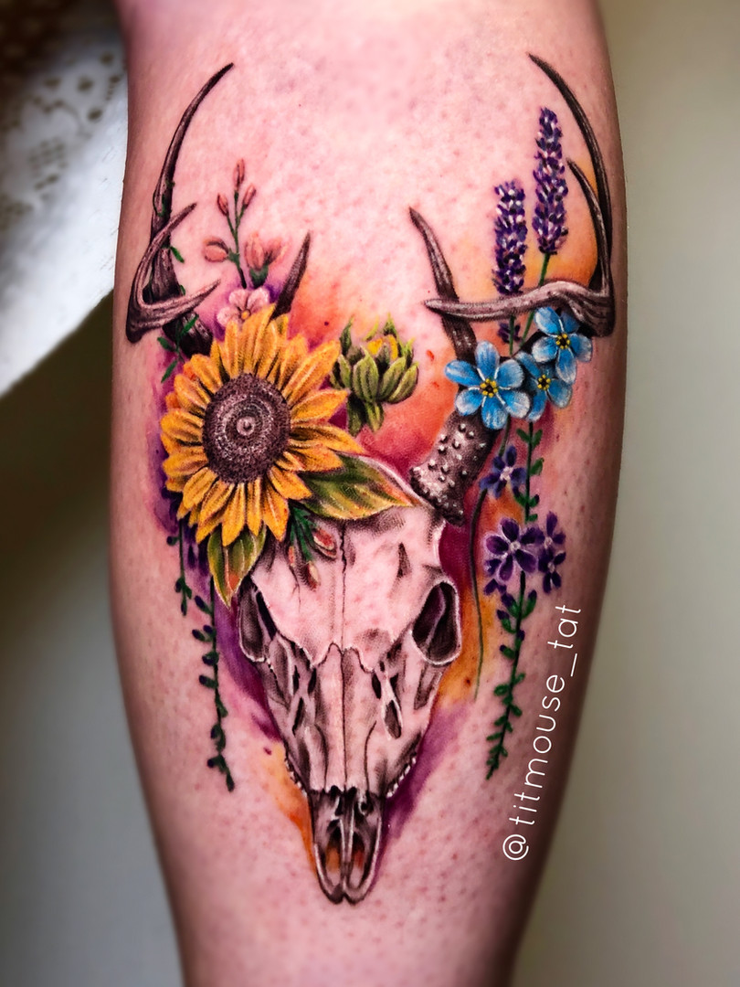 Jennifer / Titmouse - deer skull - Ink Panthers Echt Tattooshop Limburg Tattoo