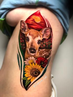 Jennifer / Titmouse - creative realisme - hert deer - Ink Panthers Echt Tattooshop Limburg Tattoo