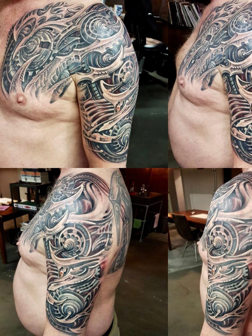 Artur Stec - biomechanic Ink Panthers Echt Tattooshop Limburg Tattoo