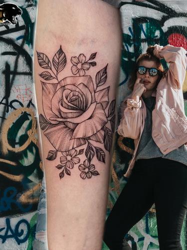 Ivan - Rose tattoo Ink Panthers Echt Tattooshop Limburg Tattoo