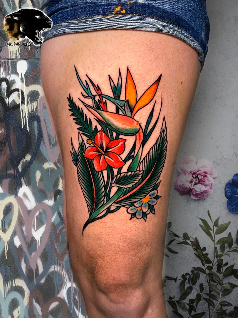Rocky - traditional bloemen Ink Panthers Echt Tattooshop Limburg Tattoo