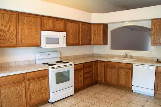 742 Ardath Kitchen
