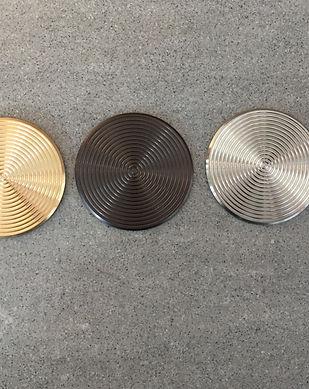 kontrastmarkering i mässing och rostfritt stål 3f8ce45f56f92