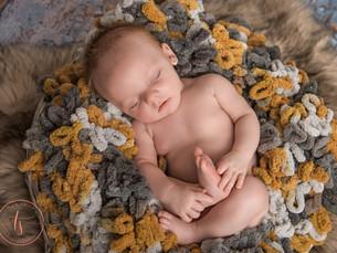 niceville newborn photographer-8.jpg