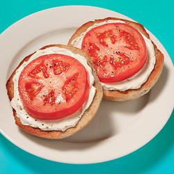 Cream cheese bagel & Tomato