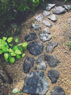 石畳のある庭