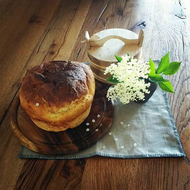 Glutenfreies Sonntagsbrot mit Maismehl, Datteln und Chiasamen