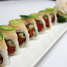YELLOWTAIL DELIGHT ROLL
