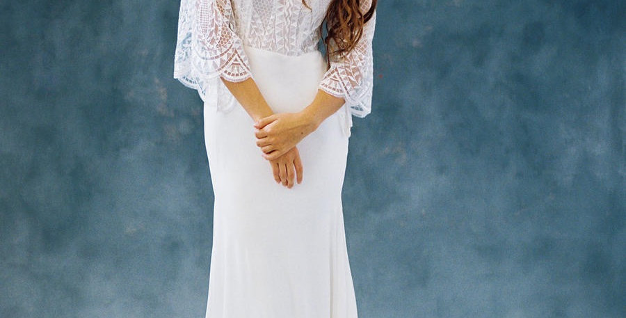 0381, Allure F110 size 6 ivory