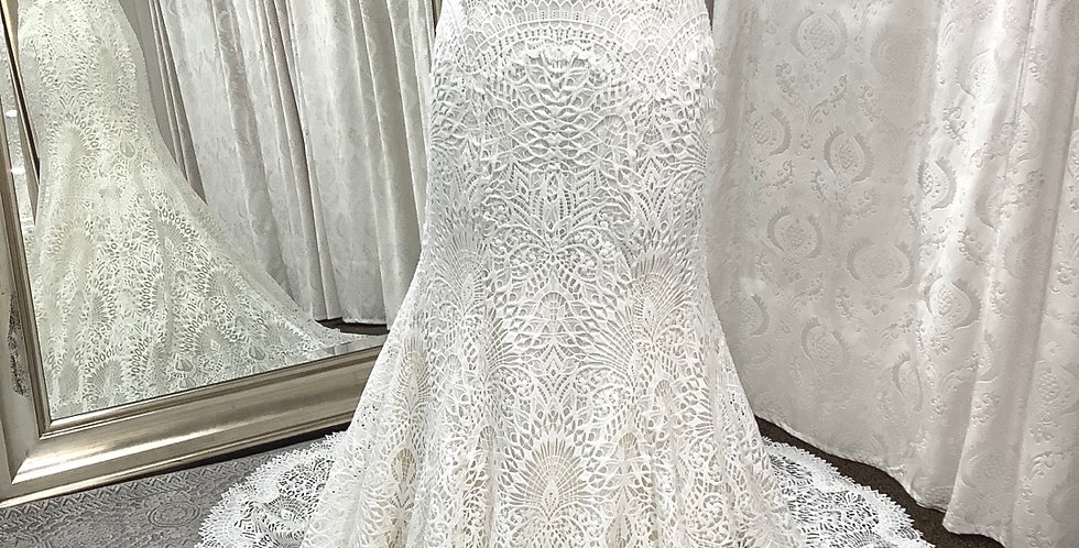 9788, Watters 2018 Taylor size 10 ivory-oyster