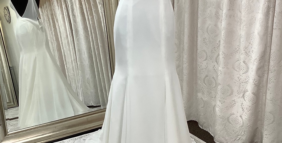 9912, Willowby size 2 ivory