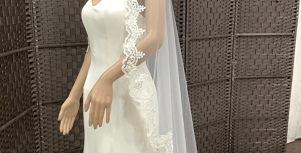 VE60 , 1 Layer lace edge waltz length ivory