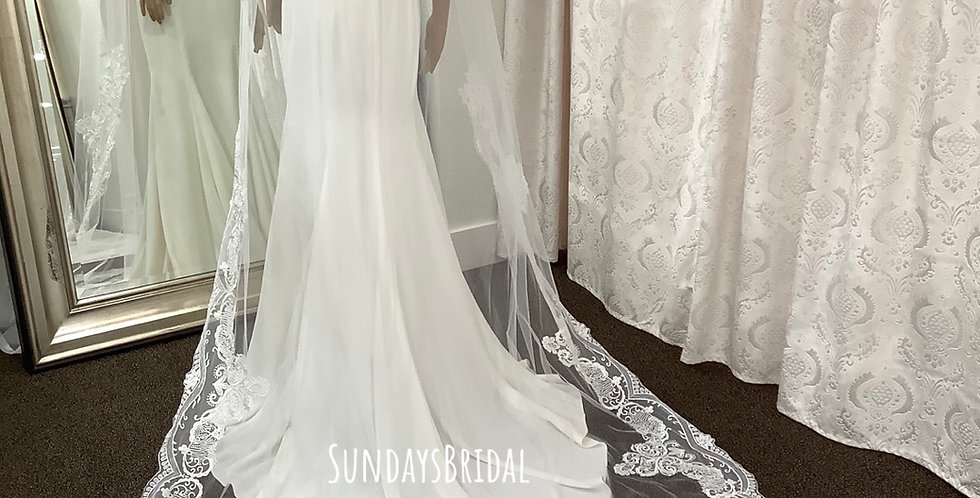 Veil, CS014 Cathedral length, Diamond White