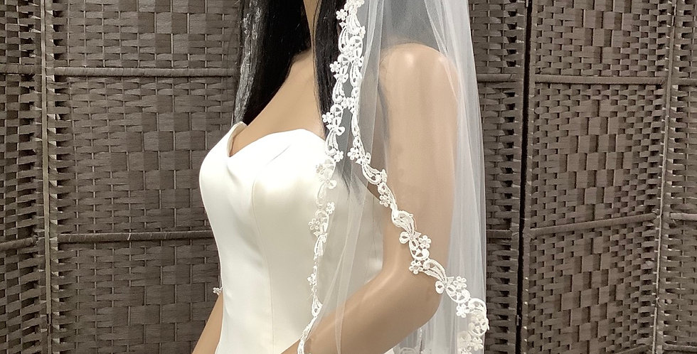 VE0009 Fingertip 2 layer lace edge ivory