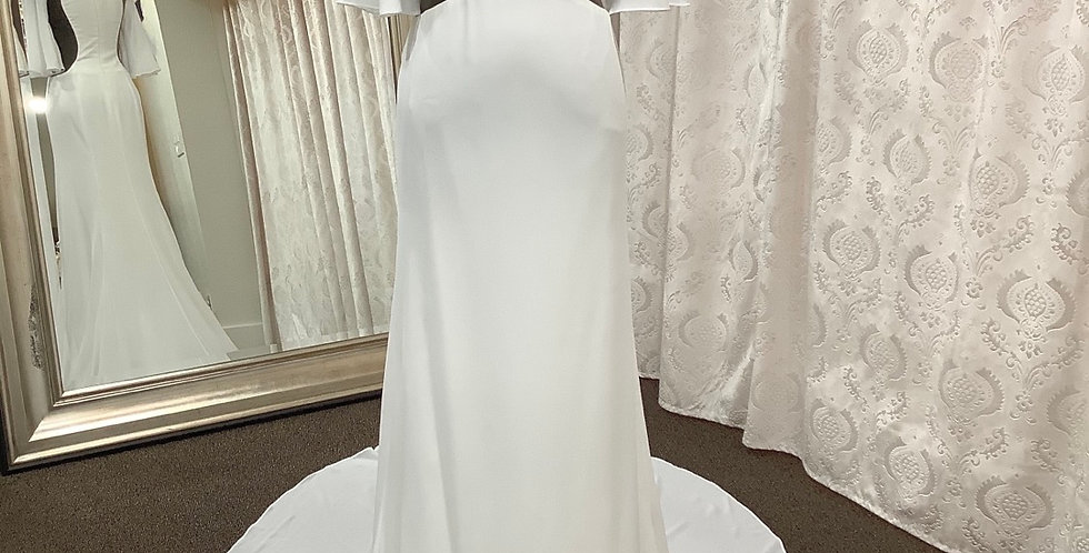 9567, Private Collection size 2 ivory