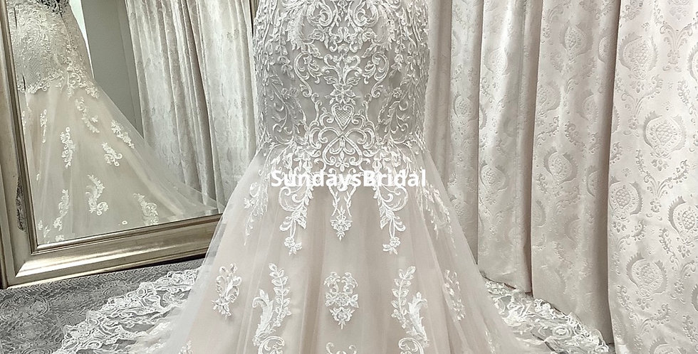 0516, Private Collection 5952 size 12 ivory -champagne