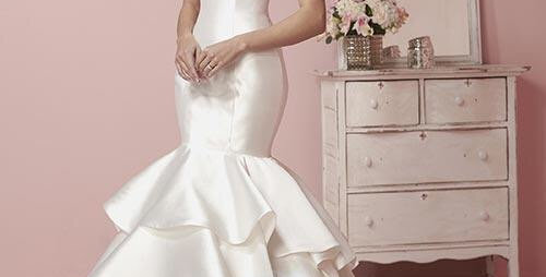 9749, Private Collection 19066 size 10 white