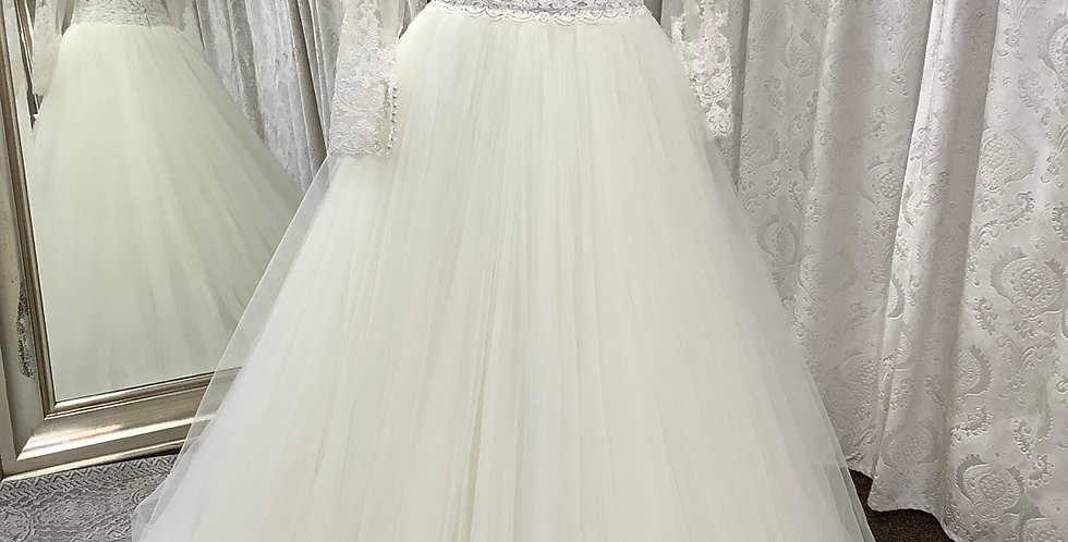 8073, Private Collection size 2 ivory