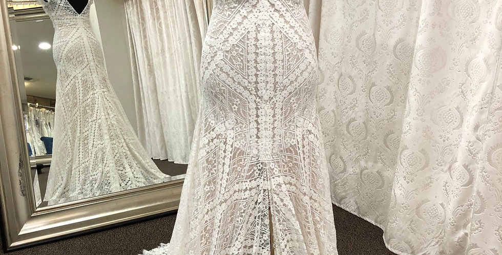9238, Willowby size 2 ivory-champagne