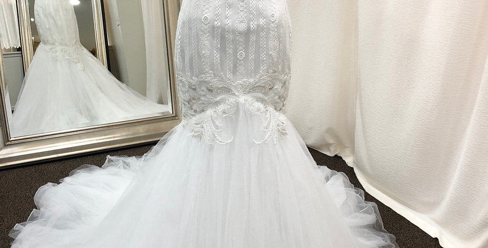 8957, Franssical 1710 size 4 ivory