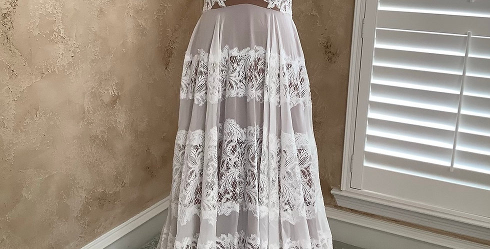 9805, willowby 51400 size 6 ivory-sunkiss
