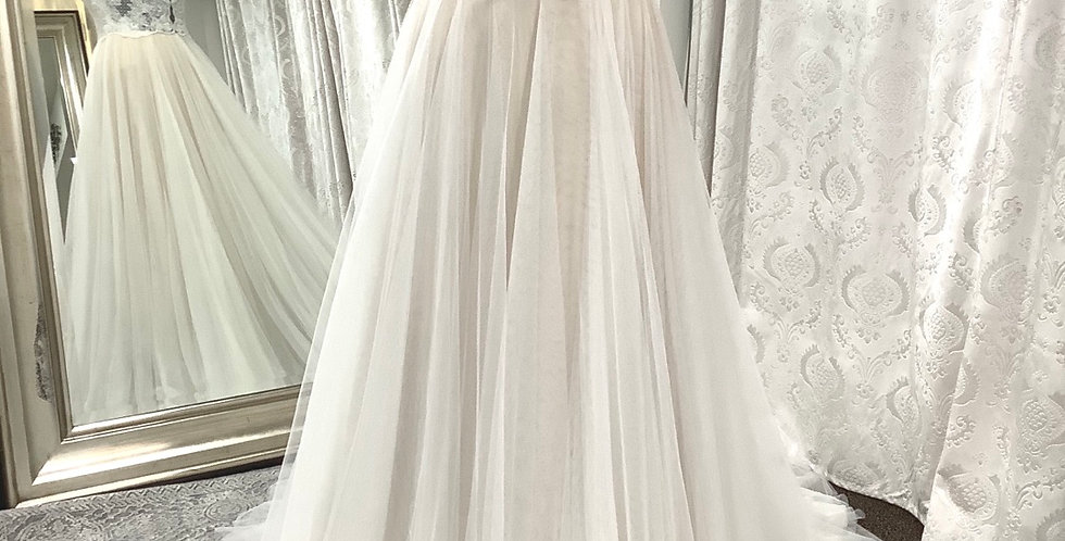 9866, Willowby 57708 size 6 ivory-nude
