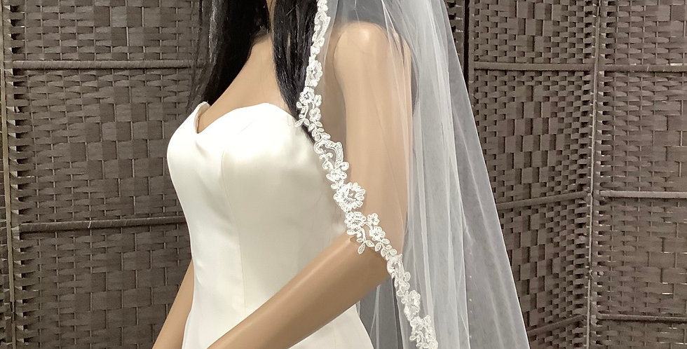 VE1st3113 Fingertip 1 layer lace edge ivory