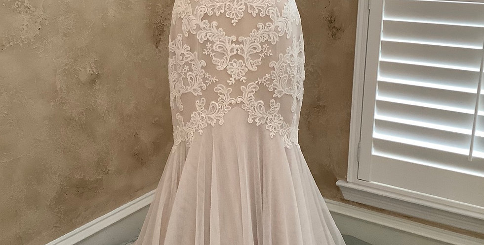 9819, Wtoo 18724 size 6, 10 ivory-champagne