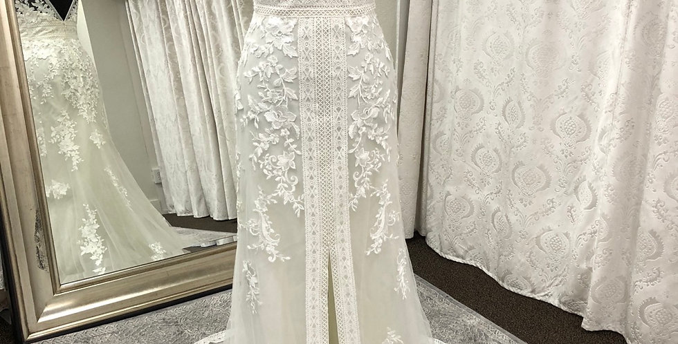 0073, Wtoo 10106 Claire size 6 ivory-oyster