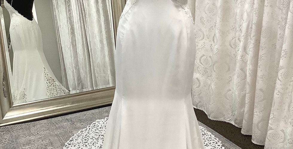 9764, Willowby 58410 size 8 ivory